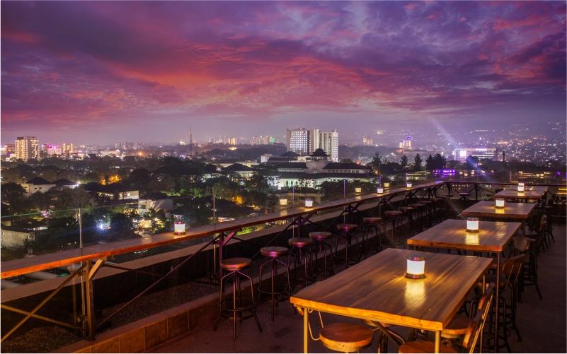 Vesper Sky Bar & Lounge