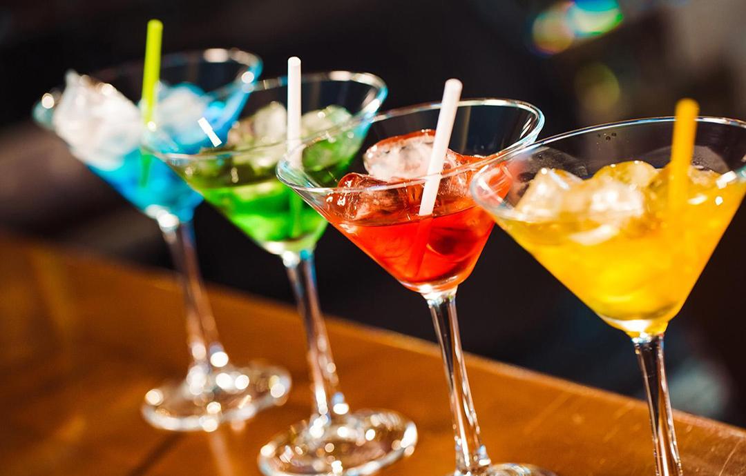 Liquor terpopuler di dunia yang ada di Bandung untuk Anda penggemar liquor! Kalau Anda ingin hangout sambil menikmati liquor di Bandung, simak daftar ini!