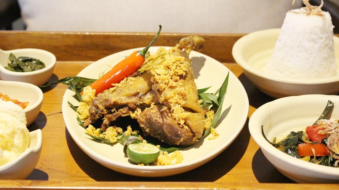 Kuliner Bebek Goreng di Bandung untuk Menu Makan Siang dan Makan Malam Enak