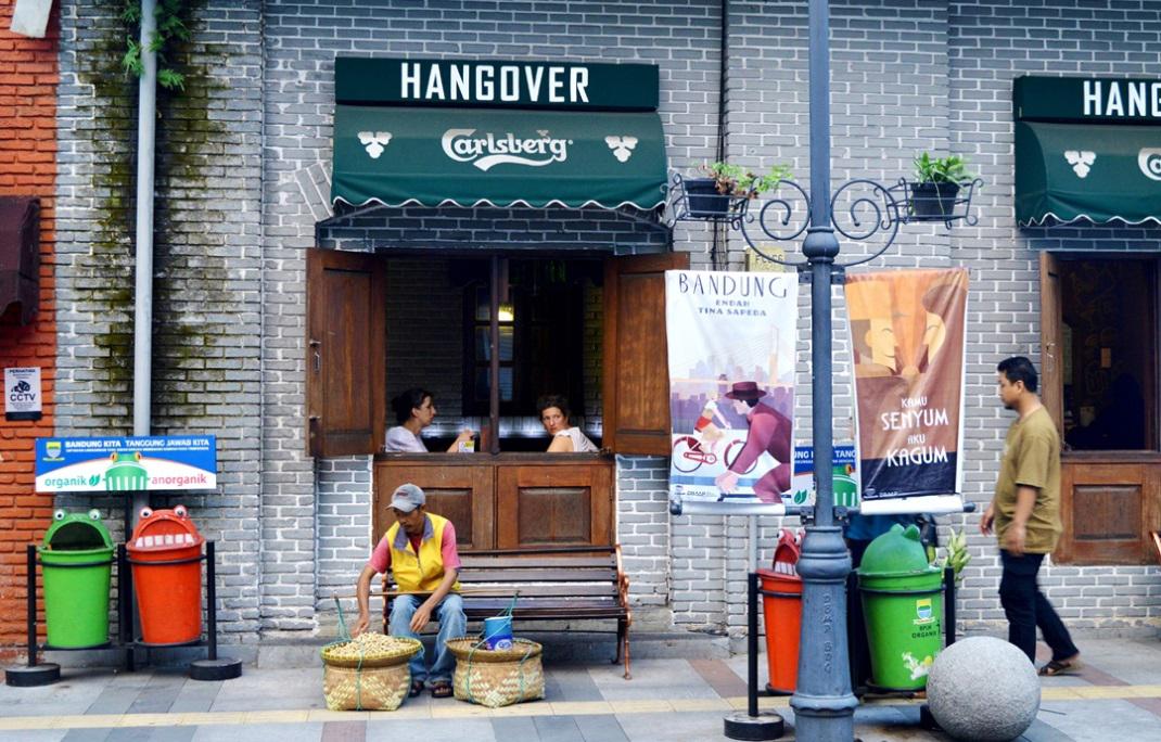 Ingin ke Eropa? Nikmati hal-hal menarik di Bandung ini saja! Inilah 5 cara menikmati suasana Eropa di Bandung ala Eropa yang dapat Anda coba.